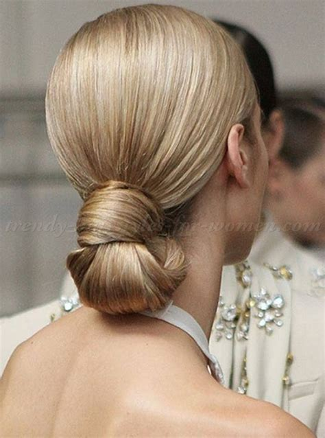 chignon hairstyles   sleek chignon hairstyle   trendy