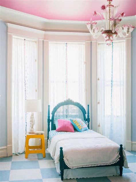chambre fille baroque lustre pour chambre ado exemple parfait de la chambre