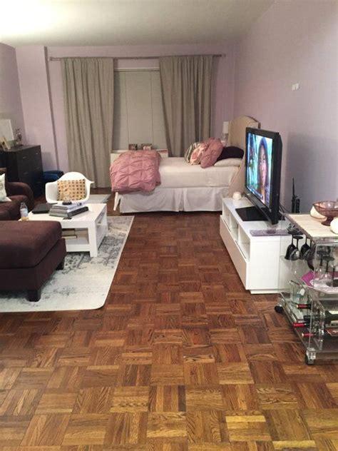 deco studio apartment 25 best ideas about bachelor apartment decor on studio apartments studio living