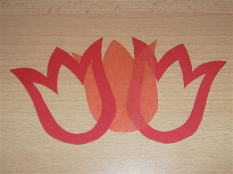 Tulpen Mobile basteln aus Tonpapier