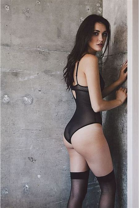 Olivia Pickren Photos - Barnorama