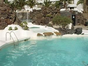quotpoolanlage mit wasserfall zum grossen poolquot hotel h10 With katzennetz balkon mit h10 lanzarote gardens costa teguise