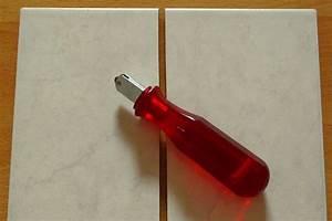 Filecut ceramic tile 2jpg wikimedia commons for How to cut ceramic floor tile