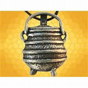 Le Monde De Merlin Bourg Les Valence : pendentif le monde de merlin chaudron magique marmite ~ Dailycaller-alerts.com Idées de Décoration