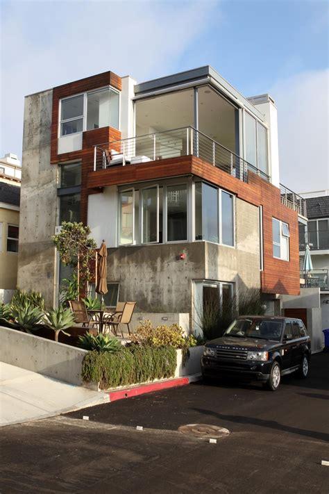 Ultra-Modern Home Front Elevation | HGTV