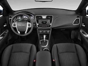 Image: 2013 Chrysler 200 2-door Convertible Touring