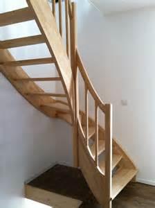 Escalier Sans Contremarche Quart Tournant by Escaliers En H 233 V 233 A Nicolas Dupriez Escaliers Bois