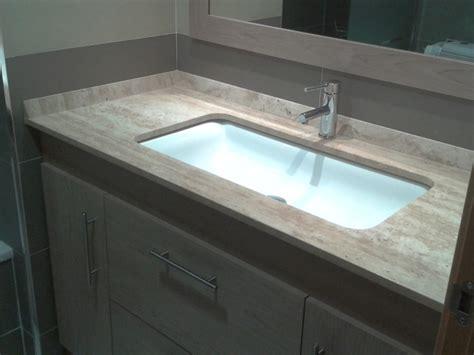 foto sobre de lavabo en marmol travertino de marmoles