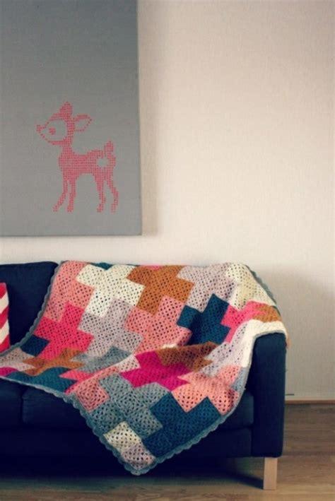 couverture pour canape la couverture au crochet pour votre ancien canapé