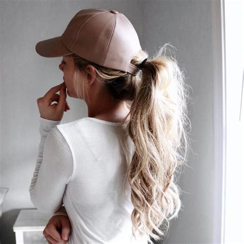 kelsey is looking fab in this sporty yet stunning hairdo