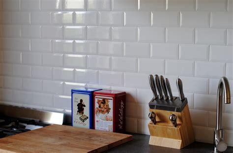 renover carrelage mural cuisine cuisine carrelage cuisine carrelage metro moderne