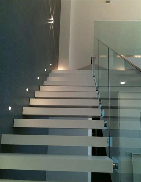 illuminazione scale a led foto scala a gradini sospesi illuminazione a led di