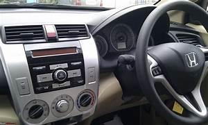 Honda City 2010 - V A  T - Tafeta White