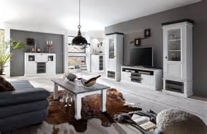 wohnzimmer landhausstil wei wohnwand ideen welche wohnwand passt in mein wohnzimmer design your mit woody möbel
