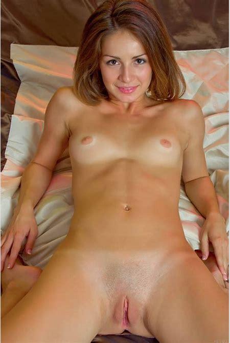 Carla b met art Hairy porn pictures.