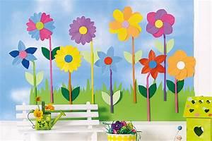 Blumen Basteln Fensterdeko : fensterdeko f r den fr hling bunte blumenwiese ~ Markanthonyermac.com Haus und Dekorationen