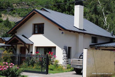 13 proiecte de case la tara