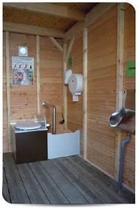 Toilette Seche Fonctionnement : pcn 1 pmr toilettes s ches cologiques petit coin nature ~ Dallasstarsshop.com Idées de Décoration