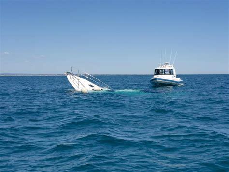 Sinking Boat by Sinking Boat Fishing Fishwrecked Fishing Wa