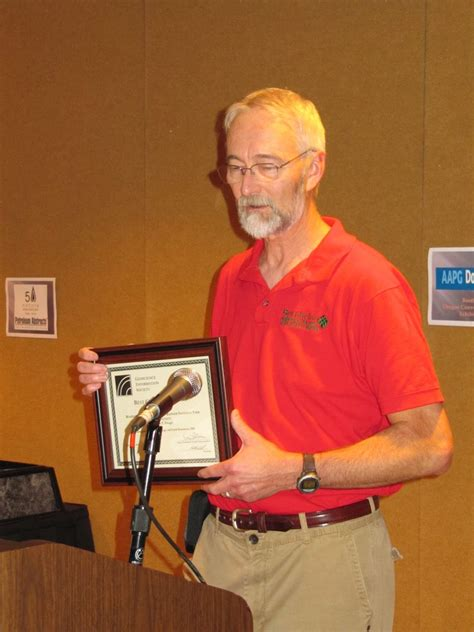 Pat receives the Best Guidebook Award for 2009 from the ...