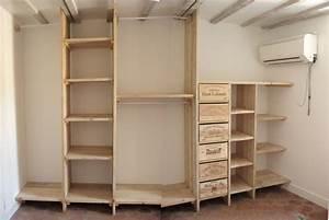 Faire Dressing Dans Une Chambre : 3 etag res dressing en bois de pin bois paille et ~ Premium-room.com Idées de Décoration