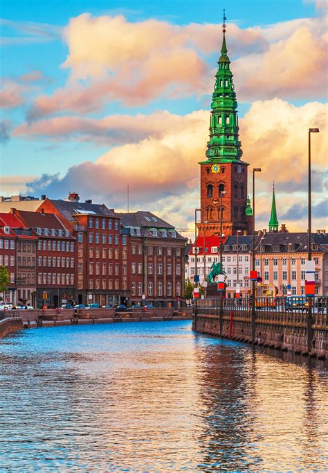 .denmark (greenland) and norway have made submissions to the commission on the history. 7e : le Danemark