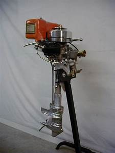 1969 Evinrude Lark Outboard Motor Picture  1974 40hp Evinrude  Waterintake On Evinrude Big Twin
