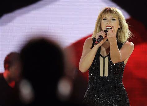 October 22 - Formula 1 US Grand Prix - 022 - Taylor Swift ...