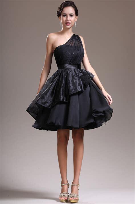perfect black cocktail dress   wardrobe