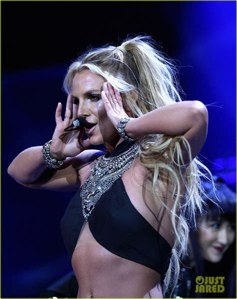 Britney Spears iHeartRadio Music Festival 2016