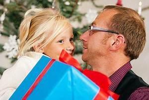 Weihnachtsgeschenke Für Väter : weihnachtsgeschenke f r den vater gro vater schwiegervater ~ Lateststills.com Haus und Dekorationen