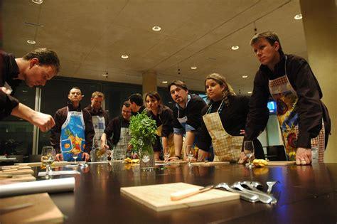 lentre cours de cuisine prenez un cours de cuisine 224 rome et devenez un v 233 ritable chef bubblerome