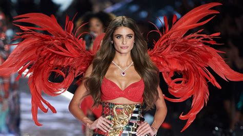Every Look From the Victoria's Secret Fashion Show | Vogue