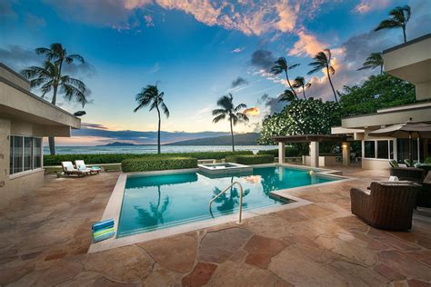 open  airy abode    hawaiis  beautiful