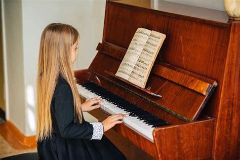 benefits  playing piano  children playground
