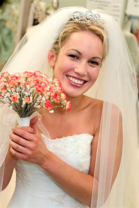 Long Wedding Veils And Tiaras Wedding Hairstyles With Veil