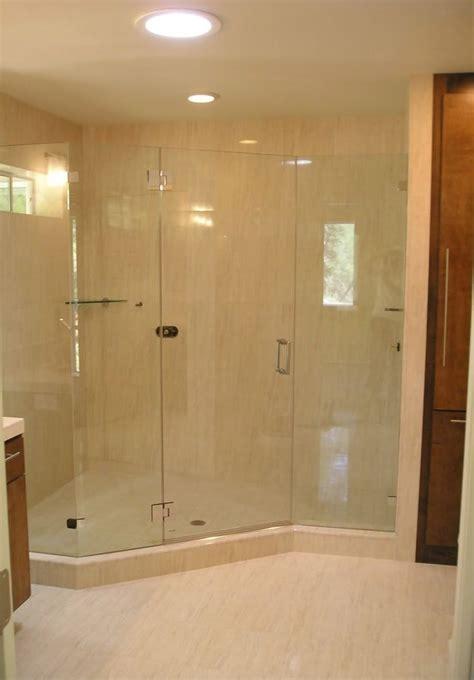 Walk In Bathroom Shower Enclosures by 17 Best Ideas About Walk In Shower Enclosures On