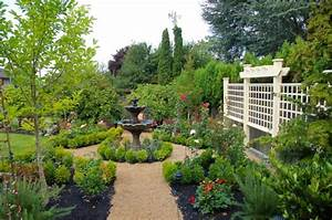 37 Garden Art Design Inspirations To Decorate Your