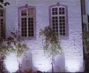 Fassadenbeleuchtung Außen Led : stadionbeleuchtung fassadenbeleuchtung sportplatzbeleuchtung flutlicht flutlichtbeleuchtung ~ Markanthonyermac.com Haus und Dekorationen