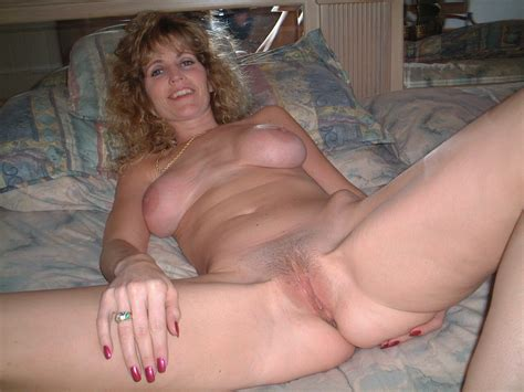 In Gallery Shannon Hot Milf Spread Picture