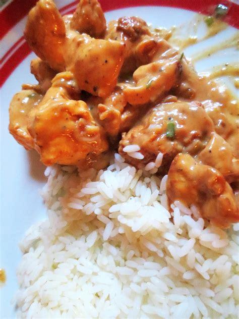 cuisine avec du riz blancs de poulet à la crème et aux girolles je cuisine