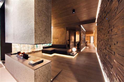 Ramon Esteve Estudio Designs A Sleek Exposition Space For