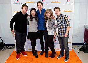 Miranda Cosgrove and Nathan Kress Photos Photos - Michelle ...