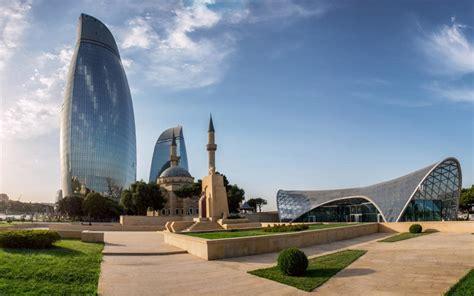 Baku is on the coast of the caspian sea on the southern tip of the absheron peninsula. L'expérience de Zuleykha à Baku, Azerbaïdjan   Expérience ...