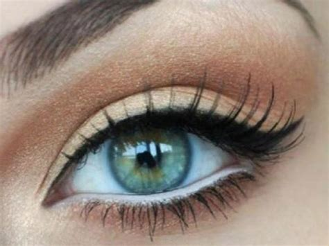 Мастеркласс как научиться правильно рисовать стрелки на глазах