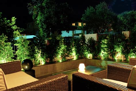 come illuminare il giardino come fare punto luce