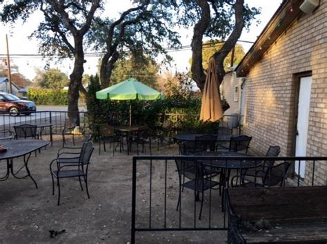 patio picture of chavelo s mexican restaurant buda