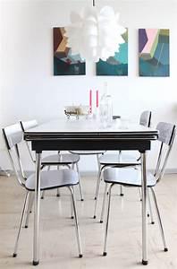 Table A Manger Vintage : interieur bruxellois salle a manger design vintage avec chaises et table en formica formica ~ Teatrodelosmanantiales.com Idées de Décoration