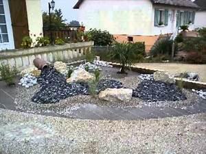 massif plantation minerale youtube With decoration jardin avec galets 7 parterre de fleur avec cailloux obasinc