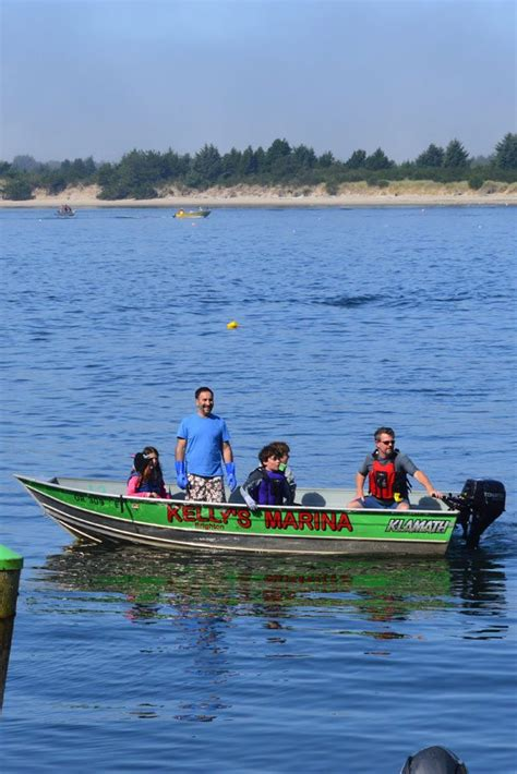 Boat Rental Tillamook Bay by Oregon Coast Crabbing Guided Trips Or From The Docks